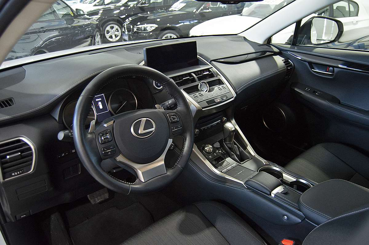 Lexus NX 2.5 300h Business Navigation 2WD 0000006100