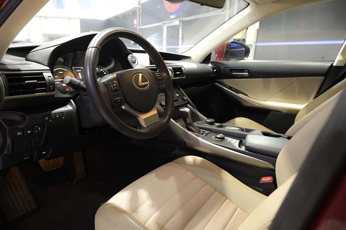 Coches de Segunda Mano Lexus IS 2.5 300h Executive 0000007203